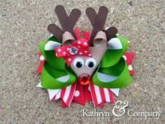 Reindeer bow Evelia can we make Mya one for next Christmaa Making Hair Bows, Diy Hair Bows, Diy Bow, Bow Hair Clips, Bow Making, Christmas Hair Bows, Noel Christmas, Xmas, Hair Ribbons
