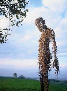 This is a perfect type of twig/vine sculpture. Land Art, Sculpture Art, Garden Sculpture, Wow Art, Outdoor Art, Outdoor Living, Environmental Art, Pics Art, Art Plastique