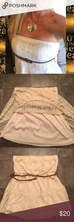 """Rue 21 Strapless Lace Top S Gorgeous Lace Rue 21 Strapless Top Cream Color Fully lined  Length 22"""" Rue 21 Tops"""