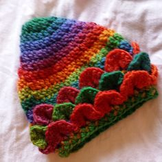 gigididthis crocodile stitch rainbow crochet hat