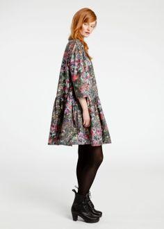 Calluna ワンピース  Price: ¥36,750  Designer: Satu Maaranen  Pattern: Ruskaniitty (ルスカニッティ)/黄金に輝く秋の牧草地/2011  Pattern Designer: Satu Maaranen  Size: 34・36