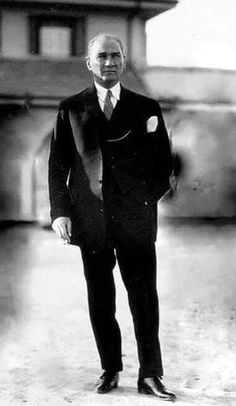 Mustafa Kemal Atatürk The start of Republic of Turkey 1923 Istanbul, Turkish Army, The Turk, Great Leaders, Historical Pictures, The Republic, Portrait, Revolutionaries, My Hero