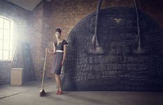 The Big Bag Theory Harrods Magazine August 2013 FASHION PHOTOGRAPHY | LUCIA GIACANI HAIR | KEIICHIRO HIRANO MAKE UP | JOSE BASS FASHION EDITOR | JODIE NELLIST ART DIRECTOR | BARNEY PICKARD MODEL | LIZZIE TOVELL PH ASSISTANT | JAMIE BOWERING DG ASSISTANT | BEN REEVES POST PRODUCTION | EMMA@HAPPYFINNISH www.luciagiacani.com FASHION PHOTOGRAPHER MILAN #luciagiacani #harrodsmagazine #fashionphotography