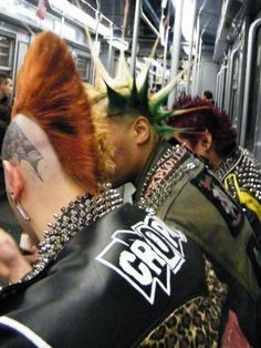 subway mohawks...punks can be sooooo interesting!