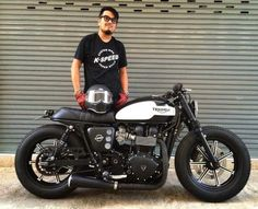 Triumph custom Cafe Racer
