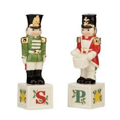 Holiday Toy Soldier Salt / Pepper Set: Amazon.com: Home & Kitchen