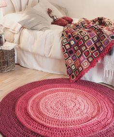 Tapetes em Croche em um Passo a Passo Fácil https://followthecolours.com.br/follow-decora/trico-croche-decoracao/