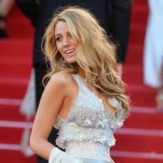 """Tousled, wavy hair screams sexy, yet it can be hard to pull off that """"just stepped off the sand"""" look. Celebrity hairstylist Cesar Ramirez reveals the secret and tips for perfecting this imperfect style."""