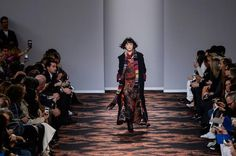 View all the catwalk photos of the Etro autumn (fall) / winter 2016 showing at Milan fashion week.  Read the article to see the full gallery.