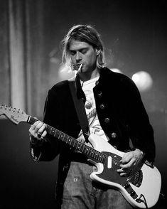 boys Vintage photograph of Kurt Cobain - Live in concert Nirvana Band, Nirvana Kurt Cobain, Kurt Cobain Photos, Kurt Cobain Style, Kurt Cobain Young, Kurt Cobain Art, Rock Poster, Poster S, Poster Prints