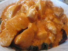 Better Butter Chicken tastes just like the one in Qatar! Low Carb Indian Food, Indian Food Recipes, Whole Food Recipes, Cooking Recipes, Primal Recipes, Healthy Recipes, Healthy Food, Yummy Food, Everyday Paleo