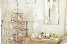 xmas bedroom-love the tree-white lace cottage