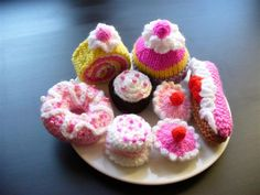 Knitted Cakes i made