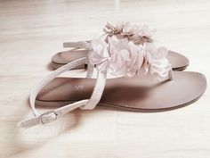 Süße sandalen mit blumen in rose - kleiderkreisel.de
