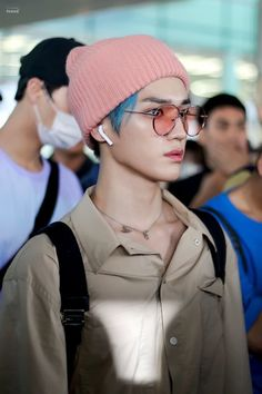 taeyong's left earring