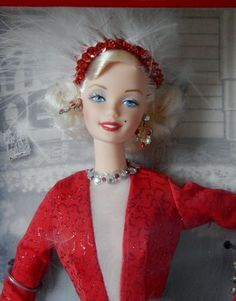 {{ BARBIE ~ MARILYN MONROE ~ GENTLEMEN PREFER BLONDES ~ 1997 }} #MATTEL #DollswithClothingAccessories