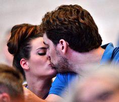 El romántico momento de Pau Gasol y Silvia López en el Campeonato del Mundo de Natación