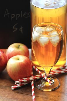 Apple Mint Iced Tea Recipe - this is one of my all time favorite summer beverages. A bit of summer and a hint of fall.