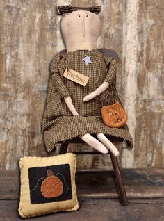 Rachel w/Pumpkin Purse - Kruenpeeper Creek Country Gifts
