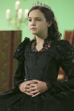 OUAT - young Snow White