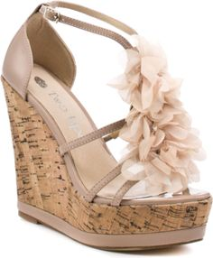 cute shoes.. Love wedges for summer!!