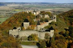 Czechia the heart of Europe Beautiful Castles, Beautiful Buildings, Beautiful Places, Castle Ruins, Medieval Castle, Palaces, Castle Parts, Castle Pictures, Prague