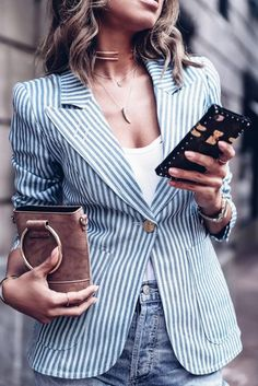 Men's Leather Jackets: How To Choose The One For You. Leather jackets never head out of styl Striped Blazer Outfit, White Jacket Outfit, Striped Jacket, Blazer Outfits, Chic Outfits, Spring Outfits, Work Outfits, Blazers, Plain White T Shirt