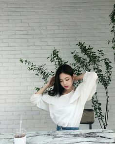 Ugh punch me in the face Blackpink Jennie, My Little Beauty, Blackpink Photos, Pictures, Look Body, Rose Park, Kim Jisoo, Blackpink Fashion, White Aesthetic