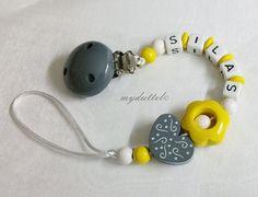Schnullerkette Blume Wunschname Herz Baby md155 von myduttel auf DaWanda.com