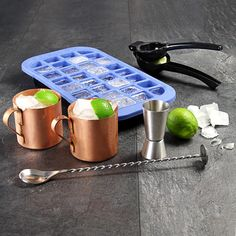The Moscow Mule Set gives you the equipment to learn how to make a Moscow Mule cocktail. Ideal for creating classic cocktails at home. Cocktail Making Kit, Copper Mugs, Catering Equipment, Classic Cocktails, Moscow Mule, Home Brewing, Bars For Home, Tasty, Home Brewery