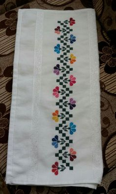 1 million+ Stunning Free Images to Use Anywhere Cross Stitch Flowers, Cross Stitch Patterns, Cross Stitch Gallery, Free To Use Images, Crochet Decoration, Hand Embroidery Designs, Filet Crochet, Cross Stitching, Flower Patterns