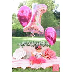 Cake smash • 1st birthday • baby girl party • pretty in pink