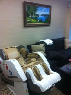 Relax & unwind as your stress melts away with a new massage chairs from Yamaguchi! Choose from a wide selection of massage chairs Shiatsu Massage Chair, Japanese Massage, Massage Techniques, Yamaguchi, Own Home, Car Seats, Chairs, Stress, Relax