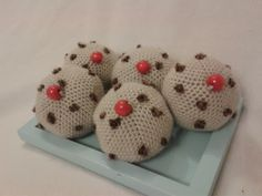 Crochet currant buns, link to free pattern