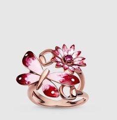 anillo Gucci Flora de oro rosa, esmalte y rubíes