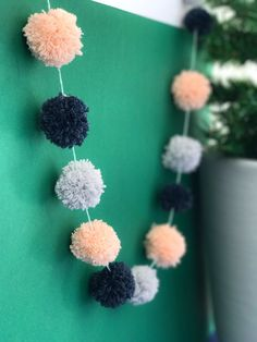 Pompoms are the best way to spruce up your homeand using up leftover yarns. They can be used for adding more pompoms on your hats, scarves, sweaters and more. These makers are super easy to use and you'll have a pompom made in no time! Choose your sizes for different effects. Available sizes of pompoms: 4cm, 5cm, 7cm, 9cm