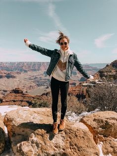 Grand Canyon Fashion Tornados Grand canyon fashion - - mode grand canyon - m Grand Canyon Vacation, Grand Canyon Village, Grand Canyon Arizona, Grand Canyon National Park, National Parks, Camping Outfits, Vacation Outfits, Hiking Outfits, Grand Canyon Photography