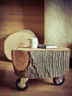 stump with casters: extra seating/side table | Las Cositas de Beach & eau