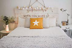 10 ideas para decorar usando guirnaldas luces respaldo cama