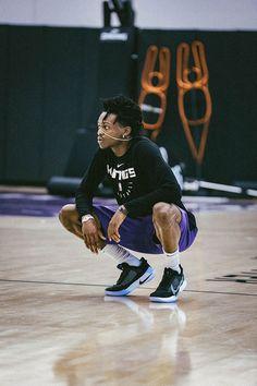 Sacramento Kings Photo Gallery | Sacramento Kings Basketball Leagues, Basketball Players, Nba Kings, Nba League, King Photo, Nba Wallpapers, Nba Sports, Sacramento Kings, Nba Players