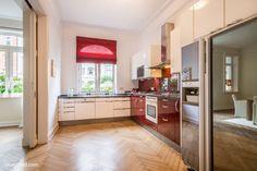 Längst ist es nicht mehr das klassische Poster oder ein schlicht-gerahmtes Bild, das im Zusammenhang mit einer Küche zum Einsatz kommen kann...