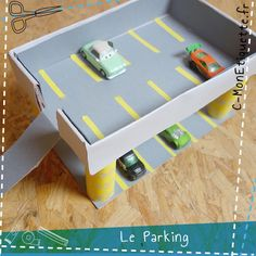 Parking en carton  http://www.c-monetiquette.fr/atelier-parking