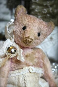 Small Hug Me Again collectible Teddy bear, Traditional style and well aged.