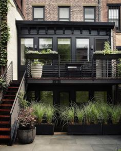 """2,300 Likes, 26 Comments - Gardens & Outdoor Living (@gardenista_sourcebook) on Instagram: """"There's a lot to like about this townhouse garden in Brooklyn, but we particularly admired the…"""""""
