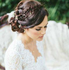 wedding hairstyle; photo: Aga Jones Photography
