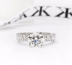 Diamond engagement ring #bykalfinjewellery #jewellersmelbourne #custommade #diamondringsmelbourne #engagementringsmelbourne #custommaderings #gentsring #diamondjewellery #diamondhalorings #artdecoring #jewellery #cbdjewellers #cityjeweller #custommade www.kalfin.com.au