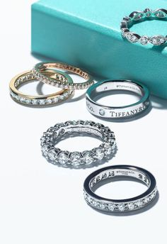 Tiffany wedding bands can be mixed, matched and stacked. I AM IN LOVE with all things Tiffany! Tiffany Jewelry, Tiffany Rings, Cute Jewelry, Jewelry Accessories, Jewelry Shop, Luxury Jewelry, Bijoux Louis Vuitton, Tiffany & Co., Ring Verlobung