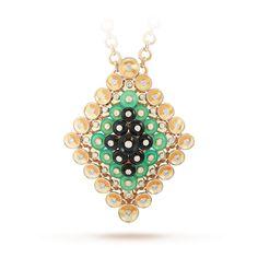 Bouton d'or pendant and detachable clip, yellow gold, chrysoprase, onyx, diamonds | Van Cleef & Arpel