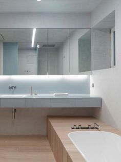 Contemporary minimalist bathroom