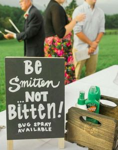 Perfect sign for outdoor weddings. Sunscreen and bug repellant is important for your guests comfort!  Cute wedding signs you need - 2017 wedding trends.